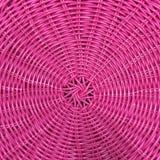 桃红色塑料被编织的篮子纹理 图库摄影
