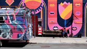 桃红色墙壁在Williansburg,纽约 免版税库存图片
