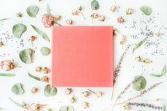 桃红色婚礼或家庭照片册页 免版税库存照片