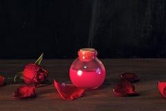 桃红色媚药 免版税图库摄影