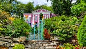 桃红色家的Portmeirion, Gwynedd,威尔士,英国 免版税库存照片