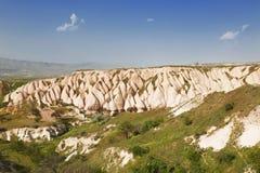 桃红色岩石在一个晴朗的夏日 图库摄影