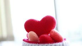 桃红色心脏毛线转动  股票视频