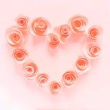 桃红色心脏由纸花制成 免版税库存照片