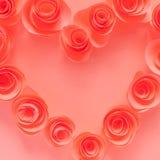 桃红色心脏由纸花制成 库存图片