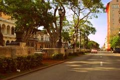 桃红色敞篷车在哈瓦那 库存图片