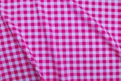 桃红色方格的桌布 免版税图库摄影
