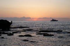 桃红色日落在朱拜勒,黎巴嫩 免版税库存图片