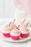 桃红色杯形蛋糕 免版税图库摄影