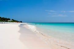 桃红色沙子海滩 库存照片