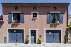 桃红色法国房子 免版税图库摄影