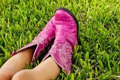桃红色牛仔靴 库存照片