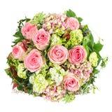 桃红色玫瑰。美丽的花花束 免版税库存照片