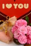 桃红色玫瑰和肥皂 库存图片
