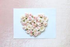 桃红色玫瑰的美好的心脏 图库摄影
