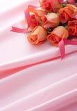 桃红色玫瑰缎 免版税库存照片