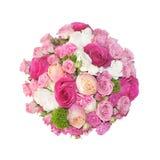 桃红色玫瑰花束在白色背景隔绝的箱子的 免版税库存图片