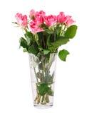 桃红色玫瑰花束在花瓶的 免版税图库摄影