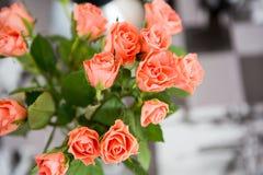 桃红色玫瑰花束  免版税图库摄影