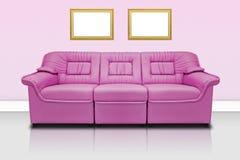 桃红色现代沙发 免版税库存图片