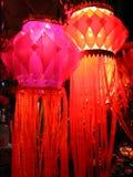 桃红色红色skylanterns 库存照片