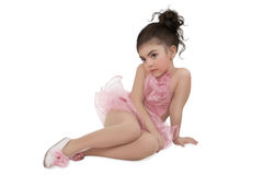 桃红色芭蕾舞短裙的小女孩 免版税图库摄影