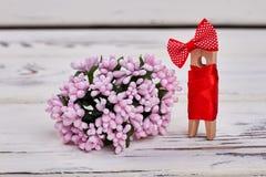 桃红色花和木别针 库存图片
