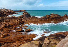 桃红色花岗岩海岸(布里坦尼,法国) 图库摄影