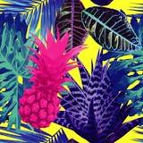 桃红色菠萝和蓝色异乎寻常的植物无缝的背景 免版税库存照片