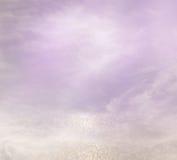 桃红色,浅紫色和银色抽象bokeh光 免版税库存照片