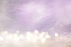 桃红色,浅紫色和银色抽象bokeh光 图库摄影