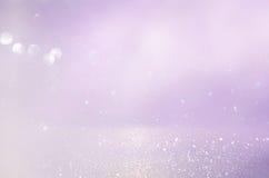 桃红色,浅紫色和银色抽象bokeh光 库存图片
