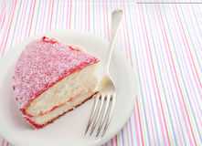桃红色Lamington椰子蛋糕 免版税图库摄影