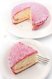 桃红色Lamington椰子蛋糕 库存图片