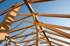 框架新的屋顶 免版税库存照片