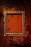框架老红色墙壁 免版税库存图片