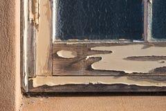 框架被风化的视窗 库存照片