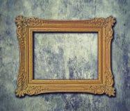 框架金黄grunge墙壁 库存图片
