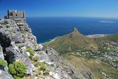 桌山上部空中览绳驻地、利昂的头和罗本岛。开普敦,西开普省,南非 库存照片
