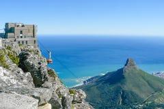 桌山开普敦南非鸟瞰图空中览绳  免版税图库摄影