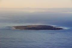 从桌山的罗本岛视图 免版税库存照片