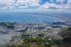 从桌山,南非的开普敦市 免版税库存照片
