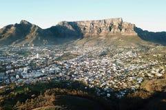 桌山,开普敦,南非清早鸟瞰图  图库摄影