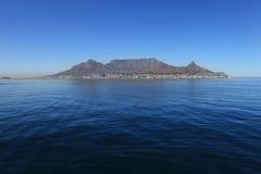 桌山从海的开普敦南非 免版税图库摄影