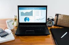 桌面在家庭办公室 免版税库存图片