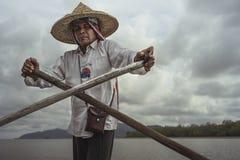 桐树Yee彭,甲米府,泰国的摆渡者 免版税库存照片