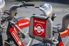 桑坦德自行车聘用Sceme在伦敦 免版税库存图片