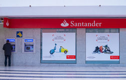 桑坦德银行分支 库存照片