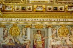 桑特'安吉洛城堡意大利墙壁  免版税库存照片
