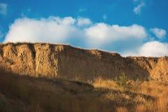桑迪峭壁和天空 库存图片